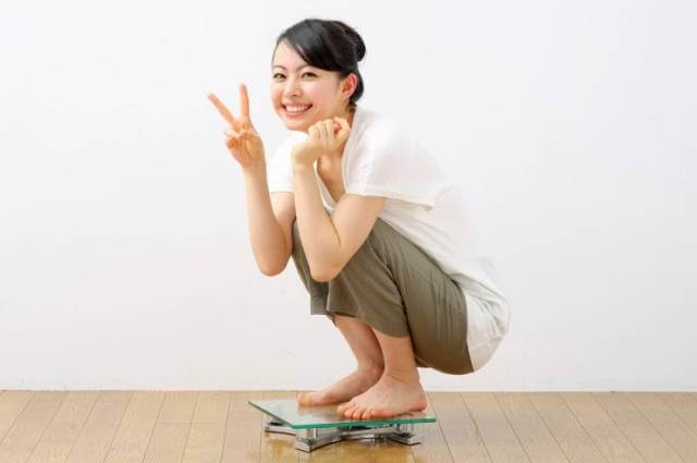 ダイエットに成功して体重が減った女性
